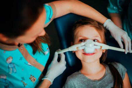 Лікування зубчиків уві сні та седація закисом азоту
